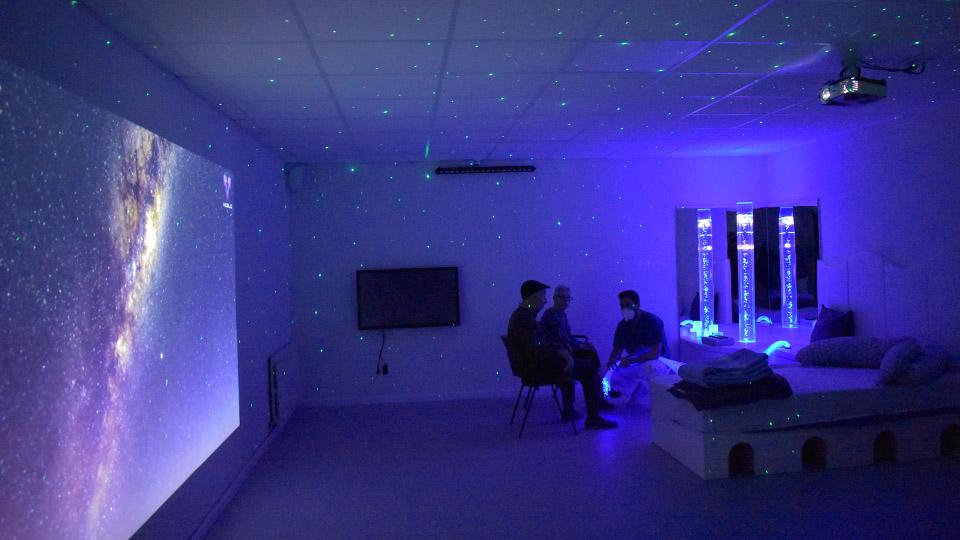 El Hospital Asilo de Vilalba estrena una novedosa sala multisensorial